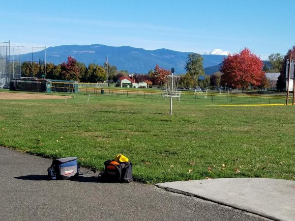 Last Day Of Disc Golf At BakerView Park - And What A View!   Tracy Marie Lewis   www.stuffnthingz.com