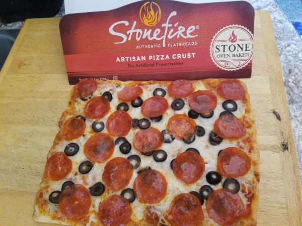 Texas Pizza Crust | Tracy Marie Lewis | www.stuffnthingz.com